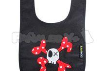 Colección Los Piratas - Kiwisac / Lleva a tu bebé conjuntado: bolso, saco, muselina, porta chupetes, baberos.... Todo de la mano de Kiwisac. ¡¡Lo que todo pirata necesita!!