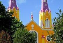 2 Eglises-Cathédrales : Jaune-Bleue-Rouge-Verte-Rose-Violette-Noire-Grise-Multicolore- etc / Lieux de Prières de toutes les couleurs / by A. Didine