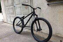 Dirt Jump Bikes / by Bayu Mono