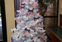 Holiday Tree / The Holiday Tree in the lobby of the Venture Inn... Decorated for each holiday.