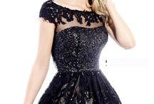 Gorgeous Dresses!!! / by Yolanda Laguna