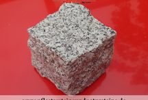 Granit-Pflaster / Sandstein-Pflaster / Gneis-Pflaster / Gabro-Pflaster aus Polen, Schweden, Ukraine / Die Vielfalt von Naturstein-Pflastersteinen / Naturstein-Pflaster / Naturstein-Würfel ist sehr groß… Man kann Naturstein-Pflastersteine (Granit-Pflaster, Sandstein-Pflaster, Gneis-Pflaster, Gabro-Pflaster usw.) homogen oder unterschiedlich- bunt verlegen… Man kann Naturstein-Pflaster auch mit diversen Bau-Materialien…anderen Natursteinen, Ziegelsteinen, Betonprodukten… verbinden. Alles hängt von Ihrer Kreativität ab… Ihre schöpferische Vision = Ihre Natursteine…