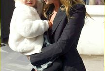 Kate Moss and Lila Grace / Kate Moss and Lila Grace by http://www.wikilove.com
