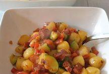 gebakken aardappel met worst