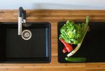 Nowoczesne zlewozmywaki podwieszane / Zlewozmywaki podwieszane to nowoczesny i funkcjonalny element kuchni. Są bardzo praktyczne, a dodatkowo prezentują się niezwykle elegancko.