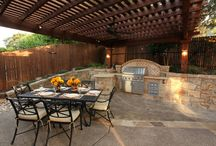 Outdoor Kitchens by Outdoor Signature / Outdoor Signature in Argyle, Texas provides customers with outdoor kitchen elements such as BBQs, Green Eggs, and Evos. View examples from past clients below.