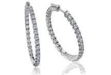Hoops / Finest Collection of Diamond Hoops also know as Diamond Bali/ Baali ( बाली in Hindi) is very popular amongst Indian women's due to its Simplicity and affordability .