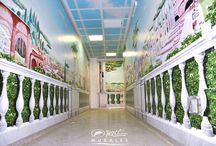OSPEDALI DIPINTI / I reparti ospedalieri e sale di attesa decorati con i dipinti dell'artista SILVIO IRILLI, riprodotte su carta da parati. La posa in opera è eseguita direttamente dall'artista con i suoi collaboratori