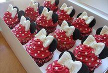 Cupcakes / by Kyli Hightower