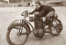 Motos y coches antiguos