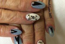Swarovski  Crystal nail art / Nails with real Swarovski Crystals