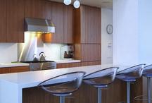 CUISINE et SALLE A MANGER / Idées lumière pour la cuisine et la salle à manger. Luminaires pour éclairer un repas, un dîner, un moment convivial à partager.