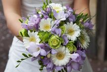 Traditional Wedding Flowers / Every bride wants her wedding to be memorable and her choice of flowers.