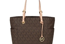 michael kors bag found only @ the apple online store / by Tomekia Mccoy