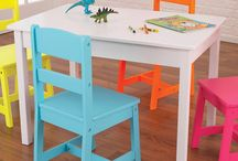 Kid table and chairs
