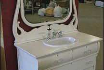 Antika banyo masası