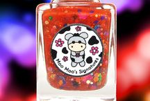 Moo Magic In A Pot / A red jelly with lots of glitters. It has neon pink daisies, tiny black stars, purple diamonds, small dots, large dots, color-shifting iridescent glitters and hexes.  Inspired by the magic session performed by Moo Moo Sherbet from Moo Moo's Story Part II.