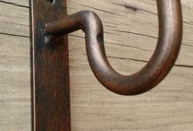 Outdoor curtain bracket