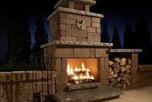 Start Entertaining Around an Outdoor Fire Pit