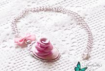 Collana dedicata alle amanti del colore rosa