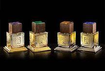 Baldi by Enzo Galardi / Над коллекцией работал парфюмер Энцо Галарди, известный нам по брендам Bois 1920 и Odori. А флаконы из толстого стекла сделаны флорентийским стеклодувом в стиле минимализма. Каждый флакон является отдельным драгоценным произведением искусства: удивительная парфюмерная композиция, платина и золото, дорогие породы дерева, резные камни – все это очаровывает и восхищает.