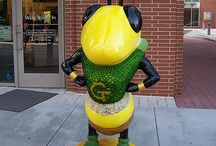 Buzz Around Town.... / As part of the Georgia Tech Alumni Association's 100th Anniversary Celebration, these fiberglass sculptures were sponsored and painted by various student organizations and individuals.