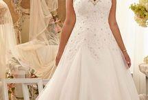 Wedding Dresses / by Karin Elke