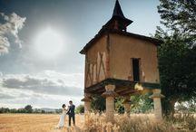 Mariage au château de la Serre / Lieu :Château de la Serre à Cambounet-sur-le-Sor, Tarn Traiteur: La Cuisine des Anges Photo: Marly Meghelli Photographie Musique / DJ / Eclairage : Autour de Minuit Animations Vidéo: YM Productions