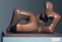 Henry Moore .