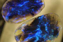 Камни и ювелирные украшения