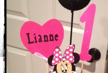 I love this minnie mouse decorations..