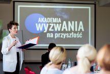 Śniadanie prasowe / 12 września 2016 roku w siedzibie firmy Centrum Elektryczne ANIA z okazji wystawy nasze dokonANIA zostało zorganizowane śniadanie prasowe.  Podczas spotkania przedstawicieli CE ANIA na czele z Prezesem Jackiem Boguckim z osobami reprezentującymi media zaprezentowano zbliżające się wydarzenie, przedstawiono jego plan oraz korzyści jakie płynęły z uczestnictwa w evencie.
