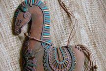 Keramikk smykker
