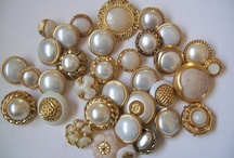 Pearl Buttons / Mother of Pearl