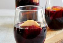Sangria Recipes / Sangria is such an awesome drink and this is a great place to explore the Spanish drink. These Sangria Recipes are absolutely the best.