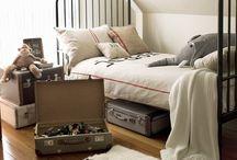 Vintage room / The bed frame! OMG