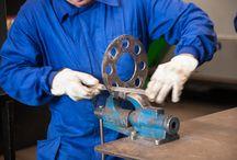 Formación Metal / En la Fudación Laboral del metal impartimos formación sectorial del metal y de otros sectores productivos como químico y de estaciones de servicio