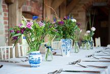 Pom pom and vintage flowers wedding ideas