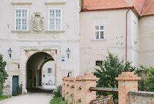 Schlösser - perfekt für die Hochzeit / Die Schlösser auf www.hochzeits-location.info sind wie gemacht für den großen Tag. Heiraten wie Prinzessin und Prinz im Märchenschloss. Hier unsere Auswahl: