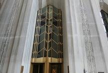 Borsa Binaları ve Heykelleri