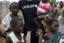 Goodness / Tablica zbiera zdjęcia, które zwracają uwagę na bezinteresowną pomoc, gotowość do działania oraz dobro, które zewsząd nas otacza, ale na pierwszy rzut oka jest niewidoczne.