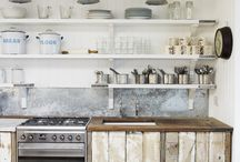 KITCHEN STYLE / quiet industrial-family-functional-natural-materials-simple style-whites-blacks-naturals