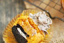 Cupcakes / by Sammi Helton