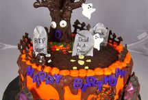 10 Spooktacular Cake Ideas for Halloween / Ahead of Halloween with traditional trick-or-treat, prank, costume party planning, another important fun element is food decoration and what best without a Halloween themed cake to share the fun. Keeping that in mind Stephen's Fine Food is presenting you 10 spookiest Halloween themed cake ideas for some special fun.