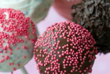 ADORABLE CAKE POPS, BITES AND PETIT!! / by Martha Fdez-Guillen