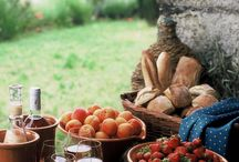 Picnic Time! / Picnics in Tuscany, Italy and around the world.  / by Cecchi Winery