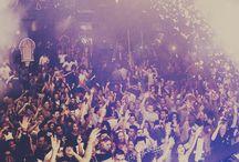 Crowds ★