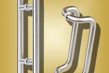 Tiradores acero inoxidable / Tiradores en acero inoxidable para vestir tus puertas. Tiradores en diferentes acabados, y aceros inoxidables.