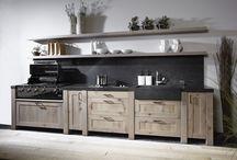 Buitenkeukens / Mereno maakt buitenkeukens in elke gewenste kleur, volledig op maat en naar de wens van de klant.