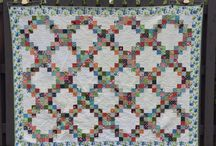 Irish Chain Quilts / I ♥♥ Traditional Irish Chain Quilts!